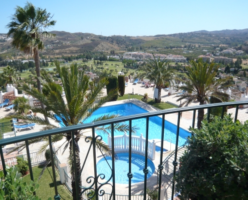 Four lovely communal swimming pools in Puebla Aida, Mijas